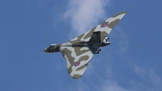 Vulcan XH558 V-force tour over Newark air museum 27/6/15