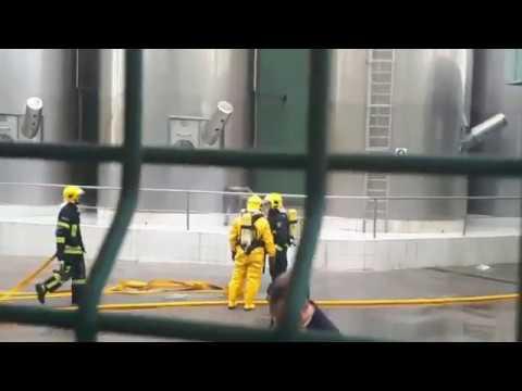 Una fuga de ácido provoca una nube tóxica en O Ceao