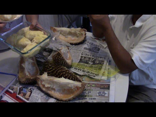 Sầu riêng đông đá ... Xử trái sầu riêng... Ăn sầu riêng đông đá ở Mỹ - VNTV -  Durian