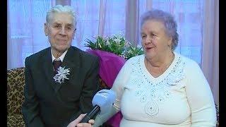 Бриллиантовая свадьба. Они вместе уже 60 лет.
