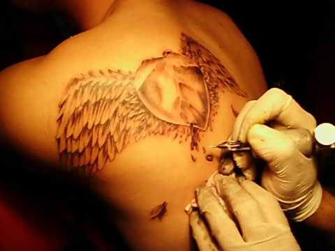 Corazón Con Alas Tatuajeen El Cuervo Tattoo Youtube