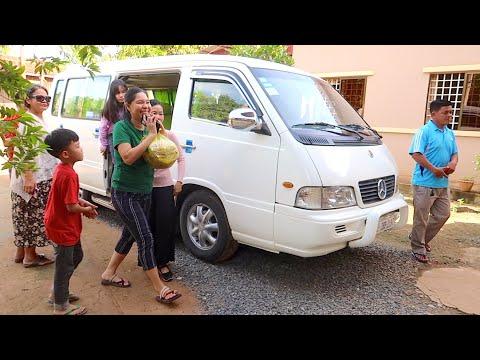 Sihanoukville Trip 01   Breakfast At Meardey's Home