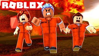 BEST COUPLE TO EVER PLAY ROBLOX JAILBREAK! Volcano Update