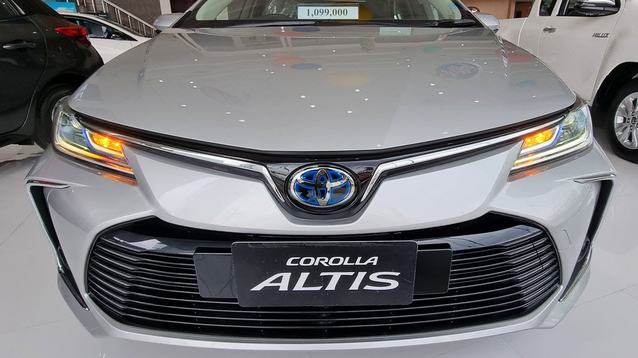 Toyota Corolla Altis 1.8 HV Premium Safety