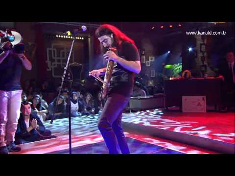 Selçuk Balcı - Deniz Üstünde Fener (Beyaz Show canlı performans)