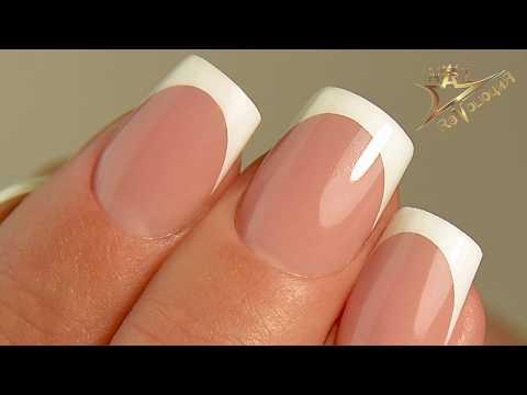 Френч на ногтях красно белый