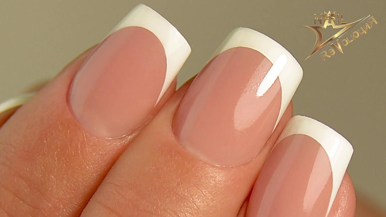 Нежный дизайн ногтей френч с белыми вензелями, лепкой пластилайном ... | 720x1280