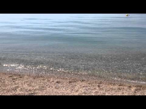 Пляж и море Рыбзавод возле Пицунды