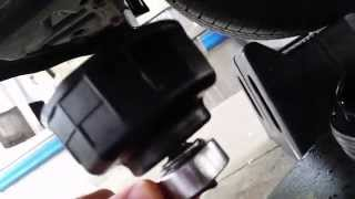 Toyota Yaris 2011- How to change oil