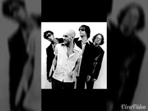 R.E.M. Undertow Live