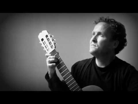 Bouree in E Minor - J.S. Bach (Brian Kavanagh, classical guitar)