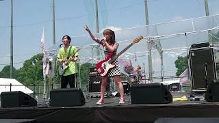 「MomocloMania2019」day-1 サテライトパークで行われたBabooBeeのライブ 『Vision』 1st album『バブビベBorn!!』8/7リリース!!! #BabooBee #バブビ #Vision ...