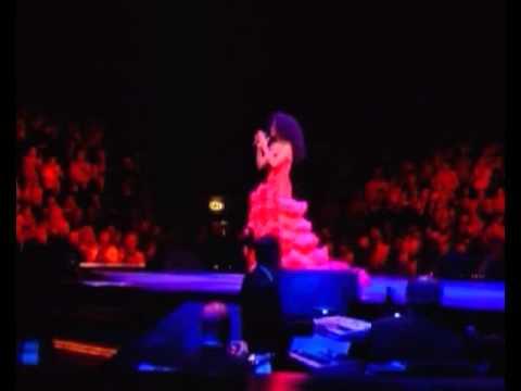 Diana Ross - Metro Radio Arena, Newcastle 2004