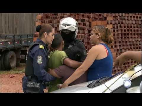 Bandidos fazem exigências para soltar reféns em ônibus