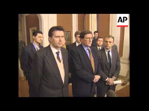 BOSNIA: US MEDIATOR INSISTS RIVAL FACTIONS COMPLY WITH PEACE ACCORD