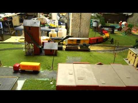 New 8x8 (L-shaped) HO model railroad layout! - YouTube