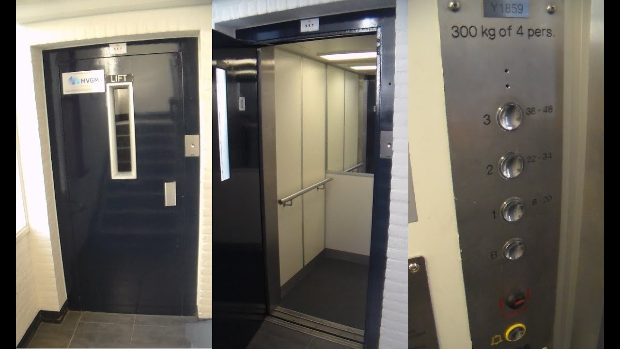 Elevator without inner doors at flats in Hoogezand Netherlands & Elevator without inner doors at flats in Hoogezand Netherlands ... pezcame.com