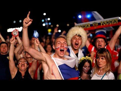 شاهد: احتفال المشجعين الروس بفوز منتخبهم على مصر  - نشر قبل 1 ساعة