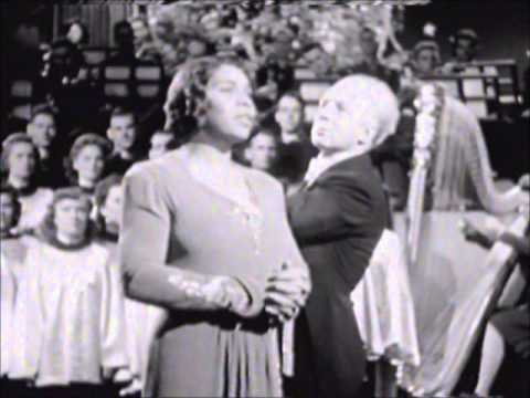 Marian Anderson sings 'Ave Maria' - Stokowski conducts