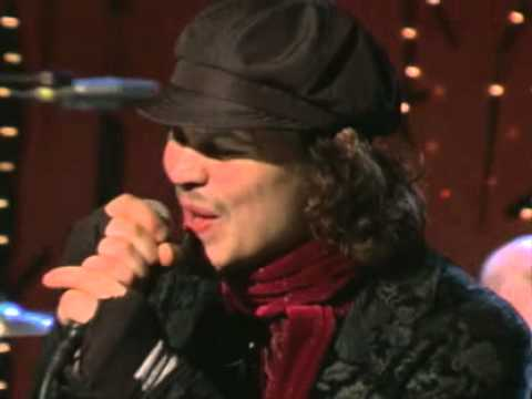 HIM - Vampire Heart (Live @ MTV2 Studios, New York, USA, 16/11/2005)