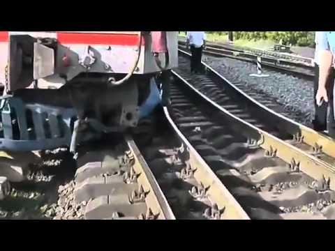 Сход с рельсов локомотива и первого вагона поезда Одесса   Луганск