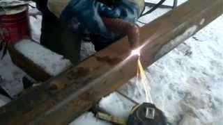 Плазморез СВАРОГ CUT 40 II (R56)(Работа плазморезом на свежем воздухе. 1. При работе плазморезом зимой в минус 15 - 20 градусов от мороза лопнул..., 2013-12-07T14:20:51.000Z)