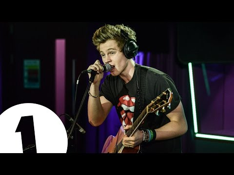 5 Seconds Of Summer cover Blink 182's I Miss You in the Live Lounge