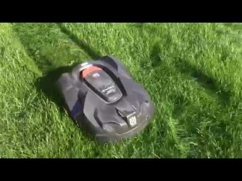Husqvarna 430X Automower Cutting through very long grass