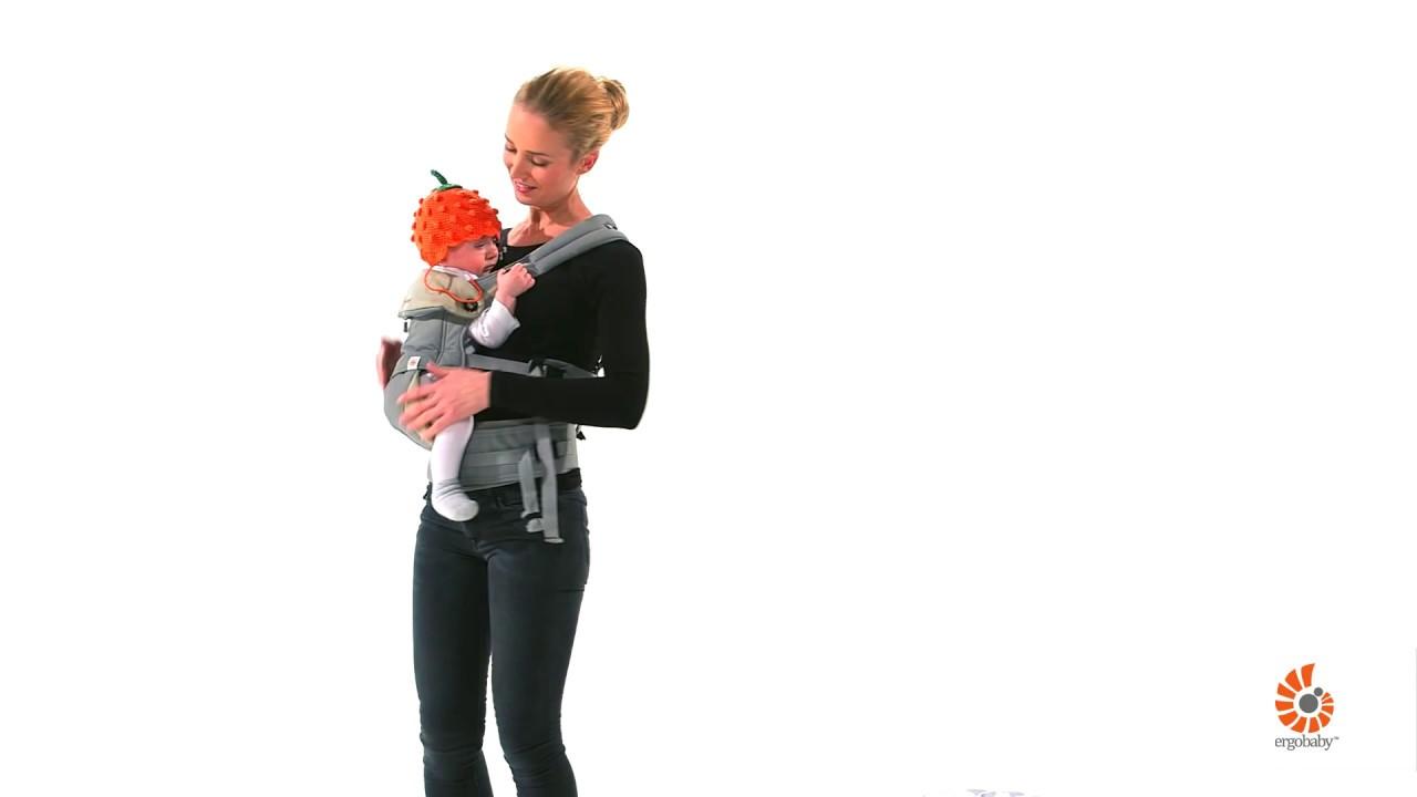 por e sur la hanche avec le porte bebe dergobaby