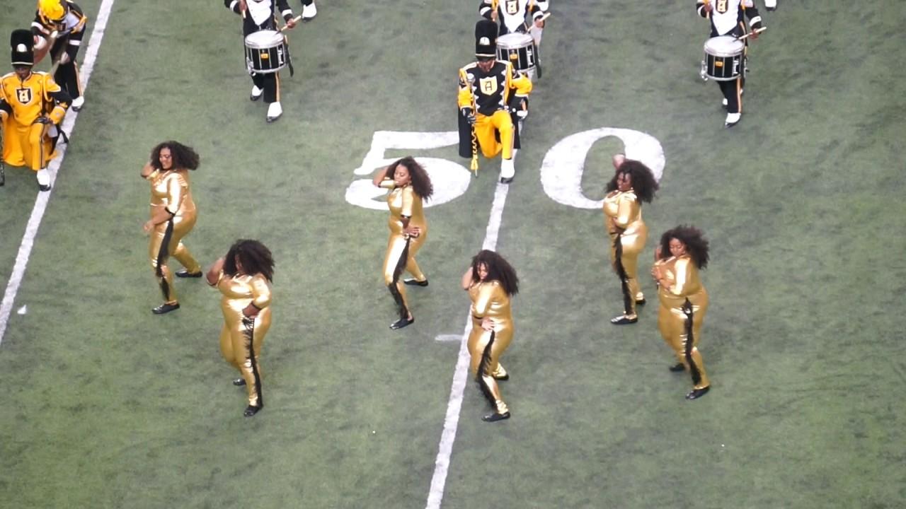 63ec503cc3938 Alabama State's HoneyBeez plus-size dance team slays crowds - al.com