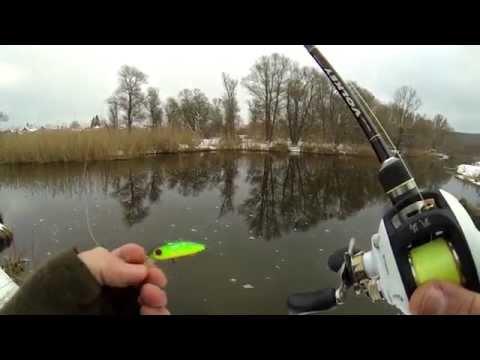 ловля щуки на кастинговую снасть видео