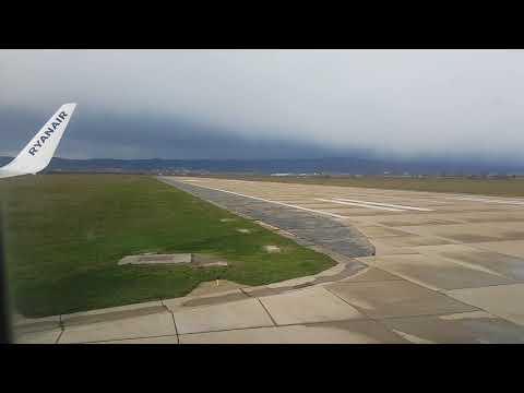 Ryanair flight no. FR5000 from Bologna, Italy (BLQ) to Bratislava, Slovakia (BTS): landing