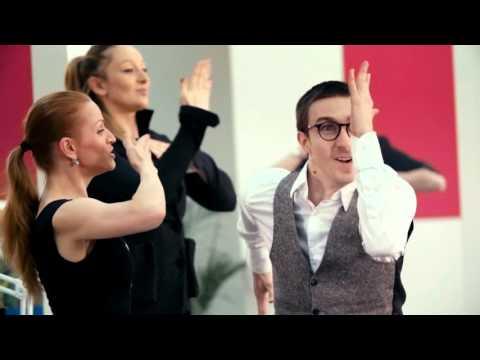 Танцы в бухгалтерии в День Главбуха