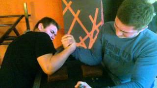 Adam vs Łukasz Armwrestling 2