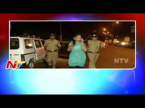 Mama Comedy On Drunk And Drive | Lady Doctor Makes Fun With Traffic Police in Hyderabad | NTV