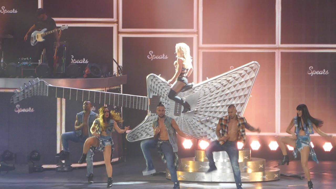 Britney Spears - I Love Rock N Roll - Piece Of Me - 11/09