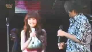 Video Ken Zhu & Rainie Yang - Qing Fei De Yi - Getting Real Concert download MP3, 3GP, MP4, WEBM, AVI, FLV April 2018