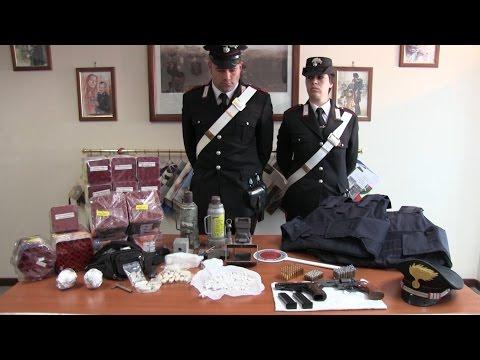 Droga, armi e bombe a mano: 16enne arrestato a Tor Bella Monaca
