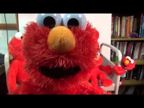 Play All Day Elmo plays with other Elmo toys