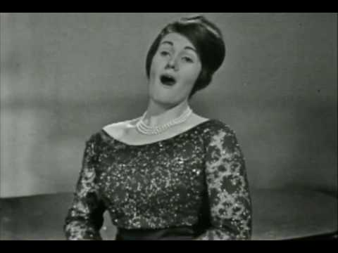 "Joan Sutherland Sings ""Care Selve"" by Händel"