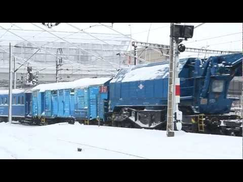 Winter Trains in Harsh Conditions @ București Nord Rail Station [January, 2012]