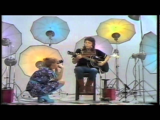 paul-mccartney-medley-blackbird-bluebird-michelle-heart-of-the-country-acoustic-high-quality-angel-carmona
