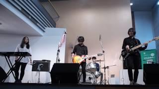 台湾東呉大学 軽音部バンド「五虎醬」 どーも、トモです。 学校イベント...