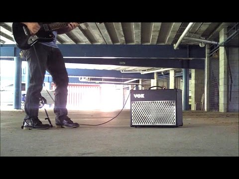 Underground carpark test with the VOX DA20 portable guitar amplifier