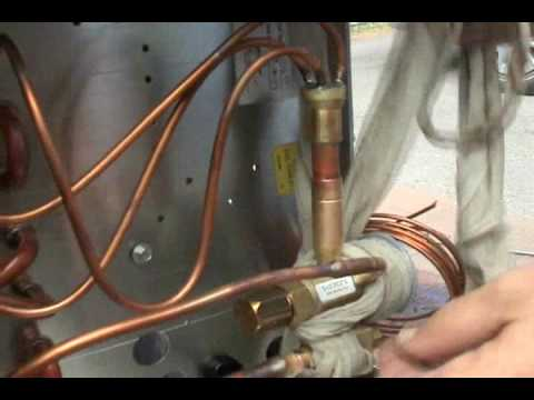Hvac Brazing In A Txv On A Refrigeration Evaporator Youtube