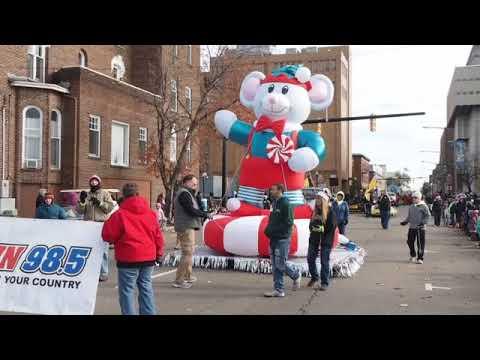 Scenes from the 2017 Kalamazoo Holiday Parade