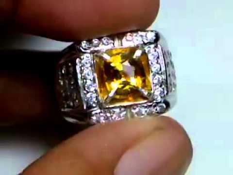 Tri Color Sapphire Know As Antique Sapphire 1,8ct
