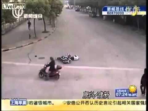 """""""Sự vô cảm của người Trung Quốc"""" là clip nổi bật nhất Internet tuần qua   Sức mạnh số   Dân trí"""