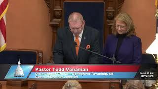 Sen. Johnson invites Pastor Vanaman to the Michigan Senate