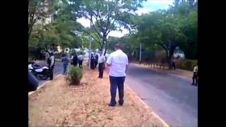 Así quedó registrada la brutal agresión que recibió un periodista de Globovisión en Puerto Ordaz